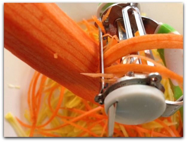 The World's Greatest 3-in-1 Rotational Tri-Blade Peeler Julienne Blade Making Veggie Pasta